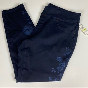 NWT Sz 18W navy blue floral side pattern pull on